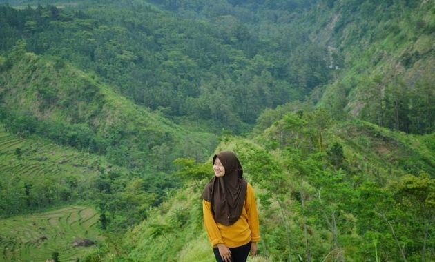 Bukit Isawa Watukumpul