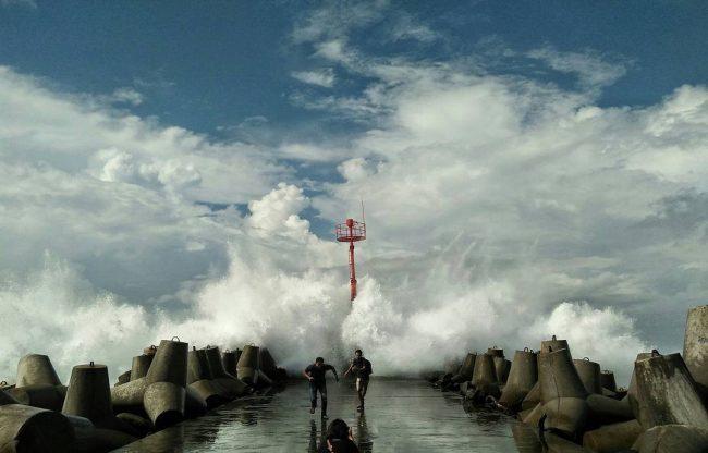 Dermaga Panjang dengan Tetrapod via Dinas Pariwisata Kulonprogo