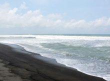 Menikmati Keindahan Trisik Beach