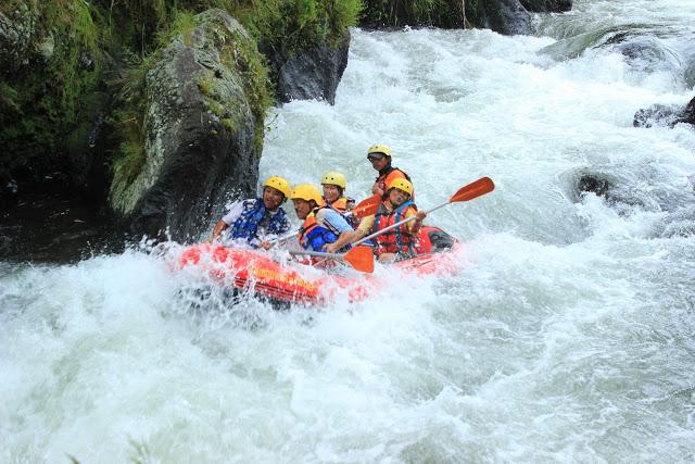 Rainbow Rafting Sungai Comal