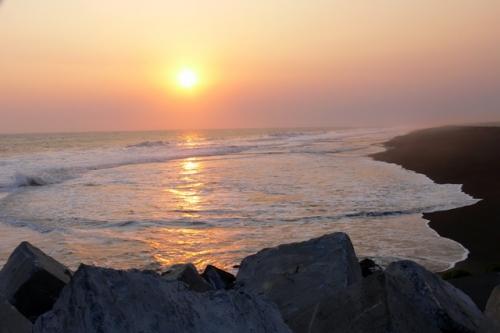 Sunset di Trisik Beach via Rizalrezki.wordpresscom
