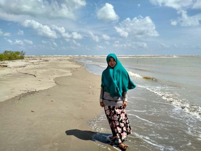 Pantai Ujung Tamiang via Steemit