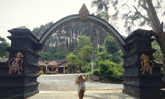 Gerbang Wisata Gua Kiskendo via IG @erpyreinita