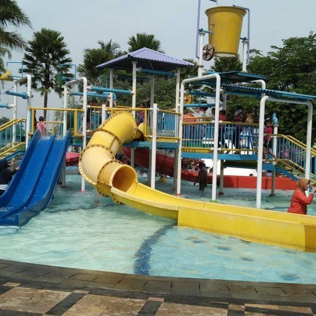 Kampung Batu Tektona Waterpark via IG @eonamaharani