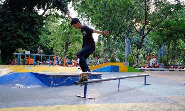 Main Skateboard Juga Seru via IG @samuel_linggawan