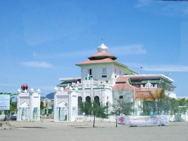 Masjid Baiturrahim Ulee Lheue
