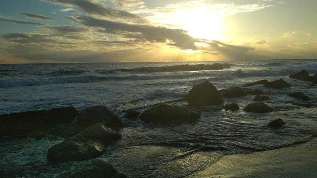 Pantai Batu Putih via Steemit
