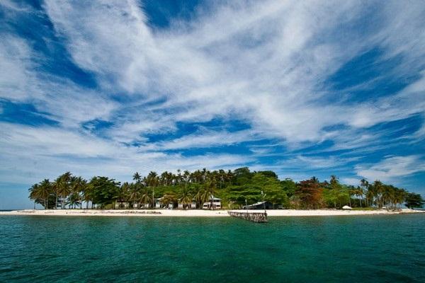 Pantai Lanaga