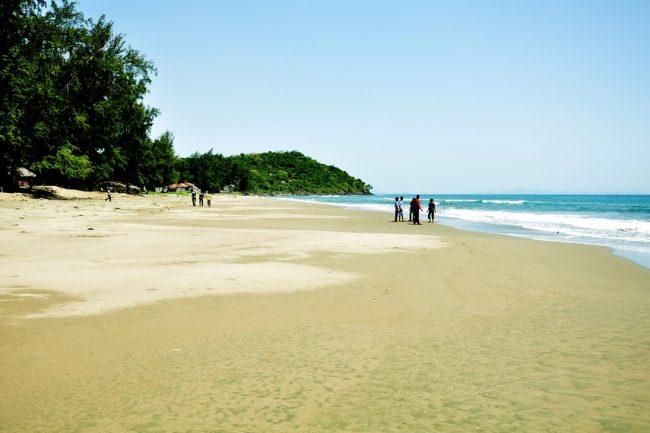 Pantai Ujung Batee via Indonesiakaya
