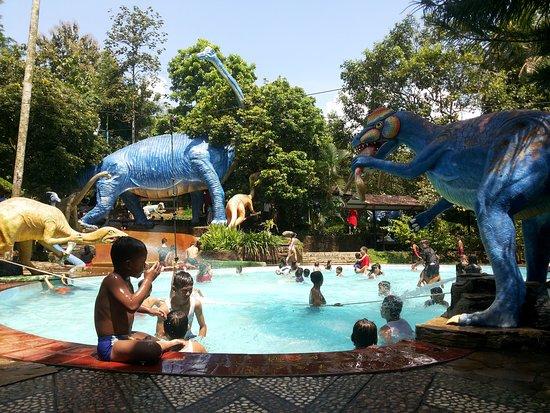 Taman Rekreasi Ngrembel Asri Semarang via Tripadvisor
