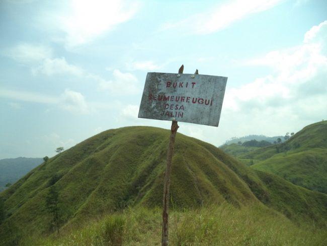 Bukit Gundul Semeuregui via Acehnewsnet