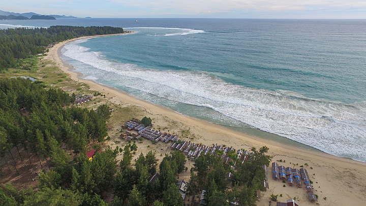 Pantai Cemara Indah Aceh Singkil