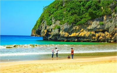 Pantai Lhoknga via IG @mufadzallmollek