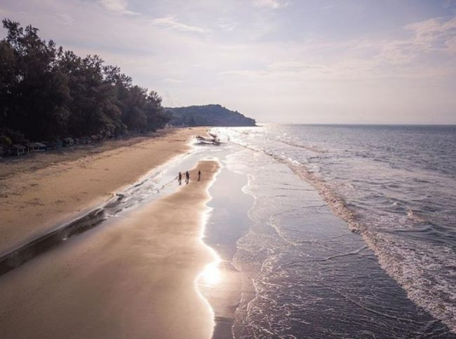 Pantai Ujong Batee via IG @fzkiul