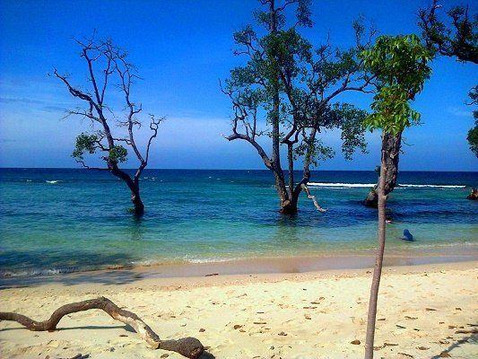 Pasir Putih via Google Plus