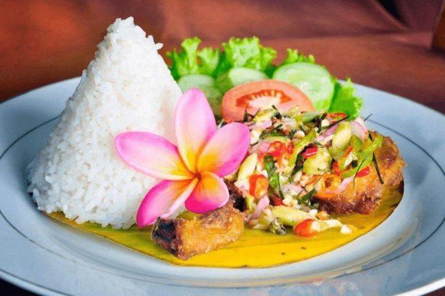Kuliner Kafe Kupu – kupu via Traveloka
