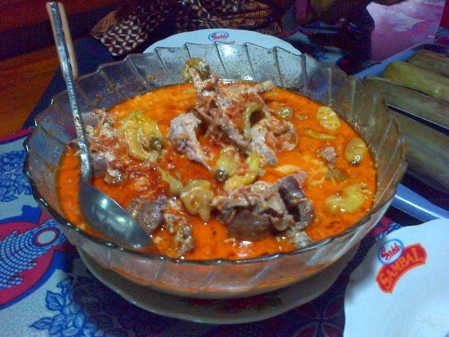 Opor Ayam Jawa via Idedanhobby.blogspotcom