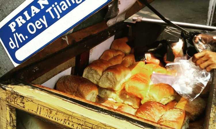 Roti Priangan via Deskgram