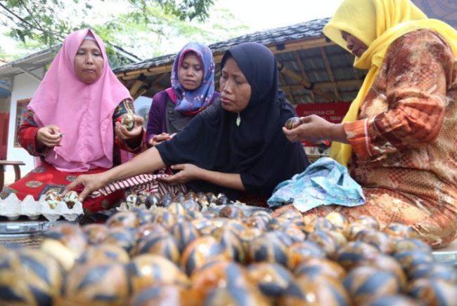 Telur Asin Bakar Batik via Grid