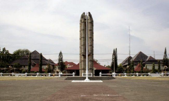 Alun – alun Indramayu via Serbaindramayu.blogspotcom