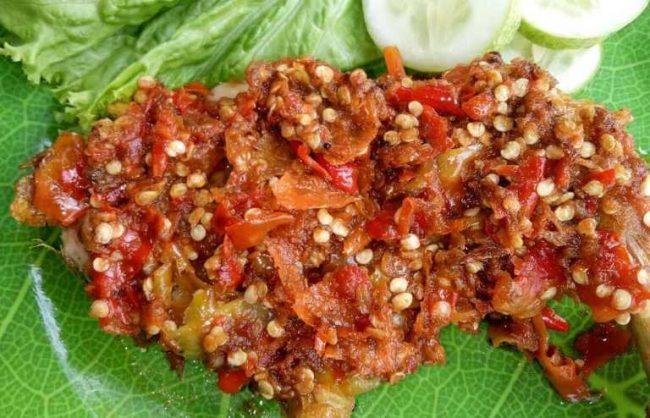 Ayam Pencok via IG @sotoayamcekersuroboyocakwid