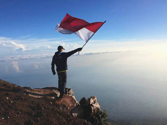 Gunung Slamet via IG @vinkan_bahraiys