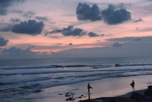 Pantai Batu Mejan via Punapibali
