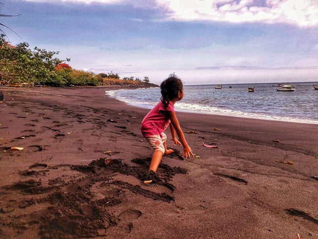 Pantai Leko Ena
