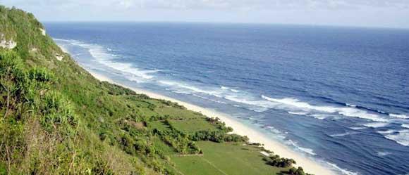 Pantai Nyang – Nyang via Voinews