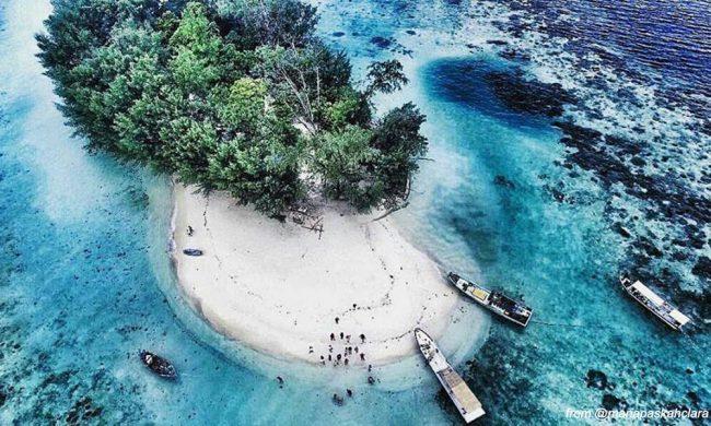 Pantai Pulau Dolphin via explore seribu - Tempat Wisata di Pulau Seribu