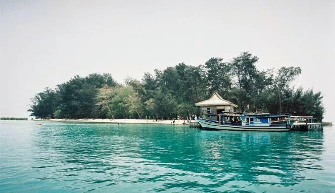 Pantai Semak Daun via Wiyata Island