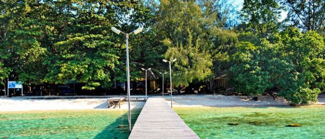 Pulau Genteng Kecil via pulauseribu-resortscom