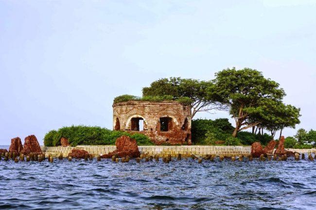 Pulau Onrust via bisniswisatacoid