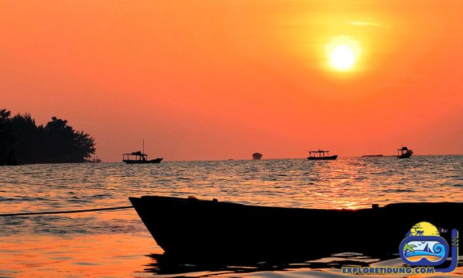 Saung Sunset via Explore Tidung - Tempat Wisata Di Pulau Seribu