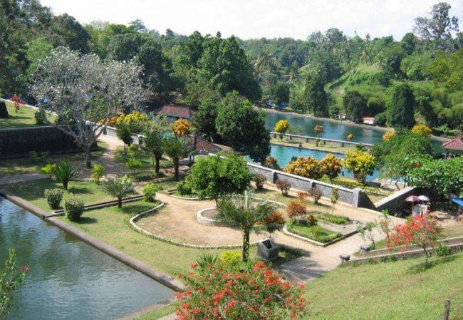 Taman Narmada Bali Raja