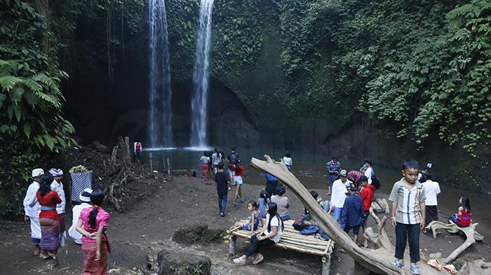 Wisata Air Terjun Tibumana via Tribunnews