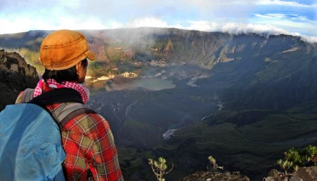 Gunung Tambora via Tempo