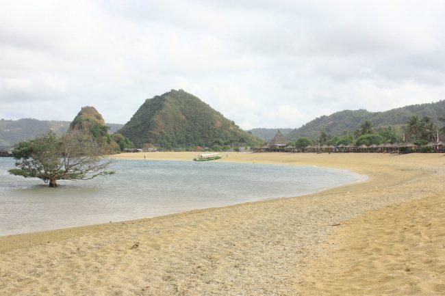 Pantai Seger Foto Oleh Rosita Travelingyuk