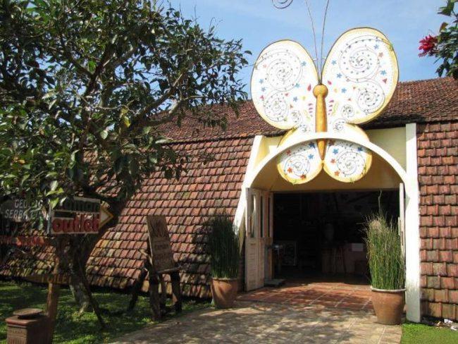Taman Kupu – Kupu via Detik