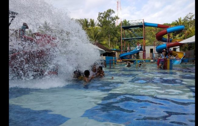 Waterpark Giri Buana