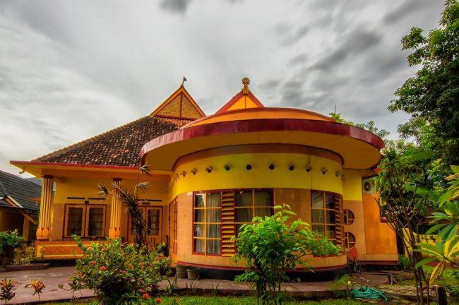 Wisata Istana Bala Kuning via Facebook
