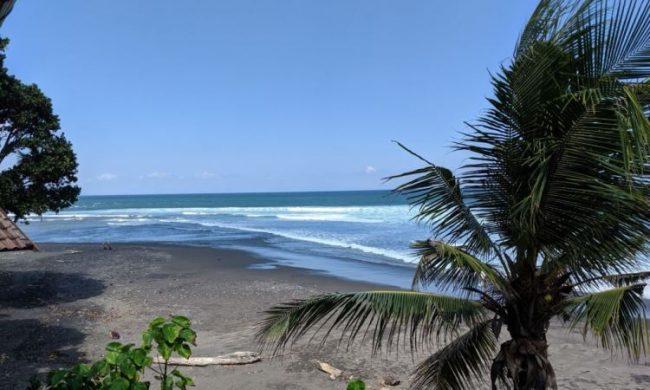 Wisata Pantai Balian