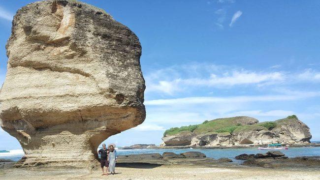 Wisata Pantai Batu Payung via IG @windyy.m