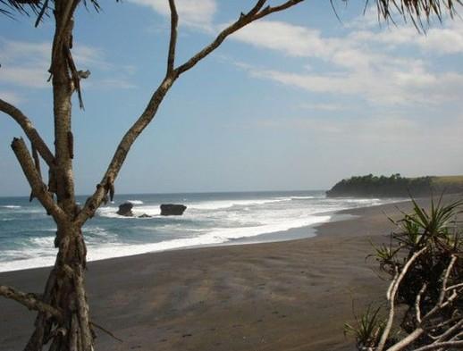 Wisata Pantai Beraban di Kediri