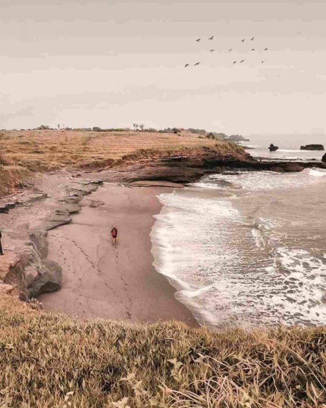 Wisata Pantai Kedungu via IG @imade.adi