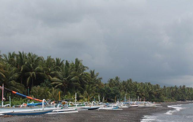 Wisata Pantai Labuan Jelung