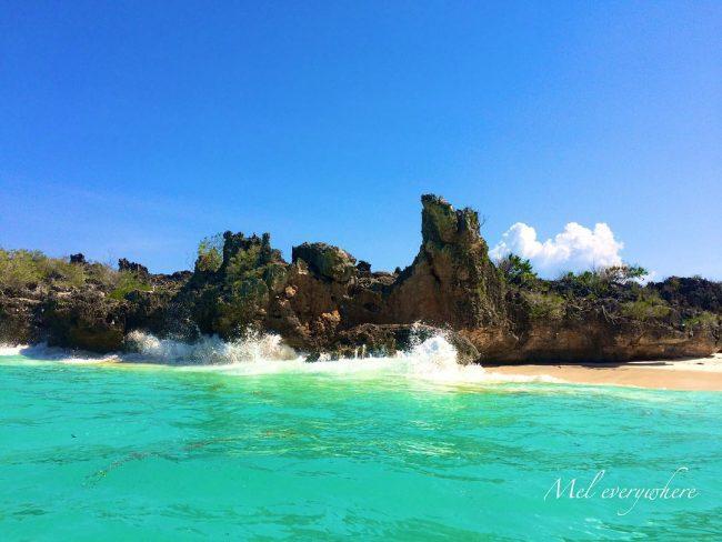 Wisata Pantai Laviti via IG @meleverywhere