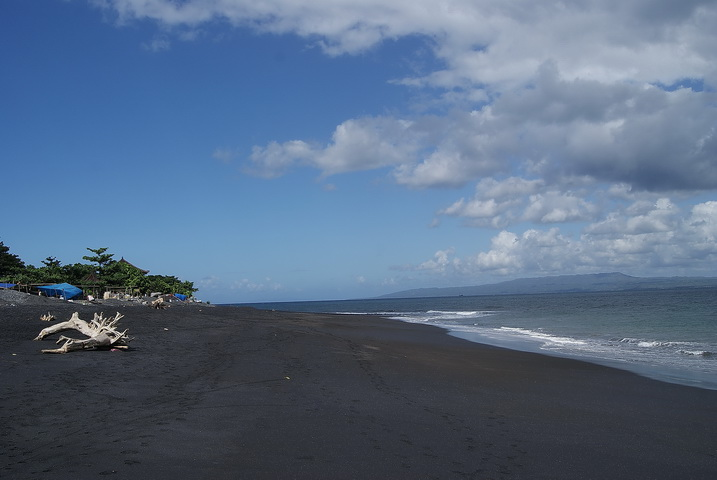 Wisata Pantai Lepang