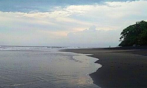 Wisata Pantai Suraberata
