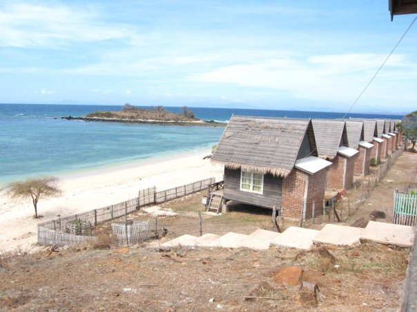 Wisata Pantai Torowamba via Kompasiana